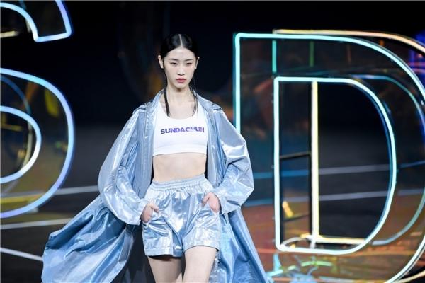 SUN DACHUN孙德春:我在未来等复古的你